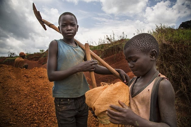Child Miners deep in rebel controlled area Bavi look for gold. This gold is then smuggled to Uganda and sold to Ugandan military in exchange for weapons. The UN rates Cobra as a gun for hire and it seems he is in collusion with some Congolese FARDC troops and Intelligence officers to keep control of the mines at any cost to protect the illegal earning of the Congolese soldiers. Fixer Pastor Marrion Pudongo +243999836650 marrionudongo@yahoo.fr From the UN panel of experts report 2012 FRPI controls the gold mining site of Bavi from where, according to an ex-FRPI combatant and inhabitants of Bavi, the rebels generate profits through illegal taxation and the direct sale of gold. According to traders in Bunia, gold from Bavi is of superior quality in the region, which makes it easy to recognize. The main buyers are traders from Bunia and Butembo. FRPI also sells gold directly to Ugandan armed forces officers posted along the Congolese border. A regular client, cited by Congolese armed forces, militia members and a Lendu community leader, is a former Ugandan armed forces officer, Alex Mugisha. In exchange for gold, he has delivered arms and munitions to FRPI at the Semliki border crossing.
